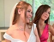 Cuarteto lésbico entre la novia y sus damas de honor
